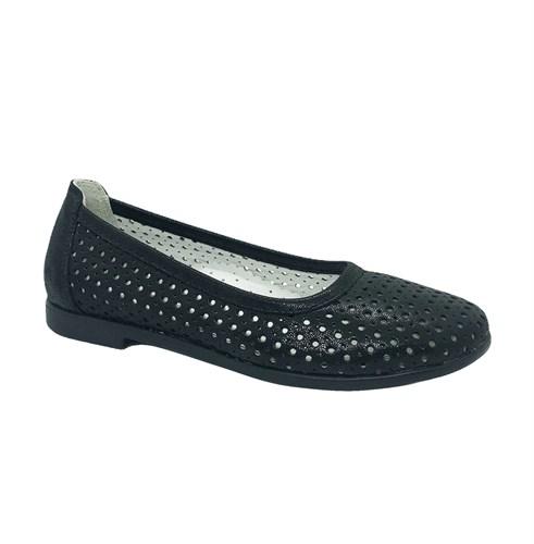 Туфли для девочки, цвет черный, перфорация, небольшой каблук - фото 11125