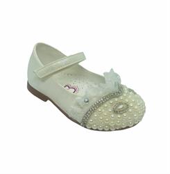 Туфли для девочки, цвет молочный, с декоративными украшениями
