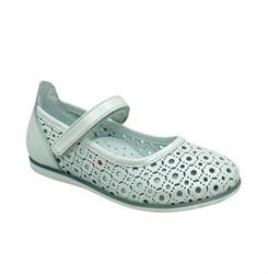 Туфли для девочки, цвет белый, на липучке, перфорация
