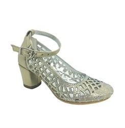 Туфли для девочки, цвет золотистый, декорированные