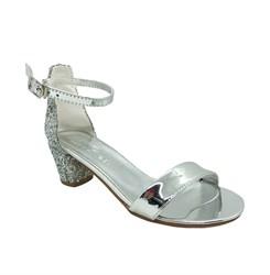 Туфли для девочки, цвет серебристо-серый, с пайетками на каблуке