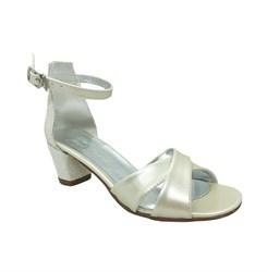 Туфли для девочки, цвет молочный, каблук с пайетками